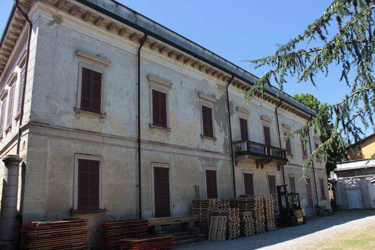 mga4studio-mauro-bellora-giuliana-morisano-architetti-restauro-villa-filippini-tetto-besana-brianza_00005
